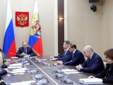 Владимир Путин поручил обеспечить рост реальных доходов россиян