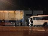 Микроавтобус из Чувашии врезался в фуру во Владимирской области