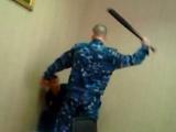 Замначальника колонии в Чувашии за избиение осужденного получил условный срок